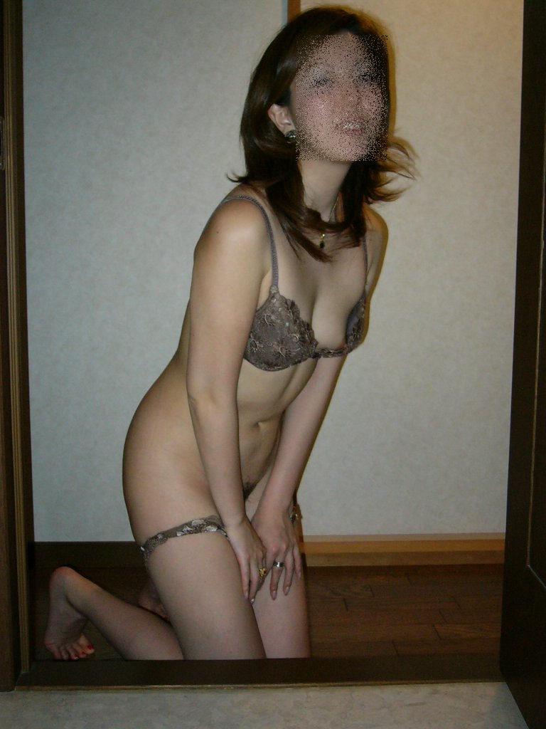 【素人下着姿エロ画像】素人娘たちの生々しい下着姿に勃起は必至!www 51