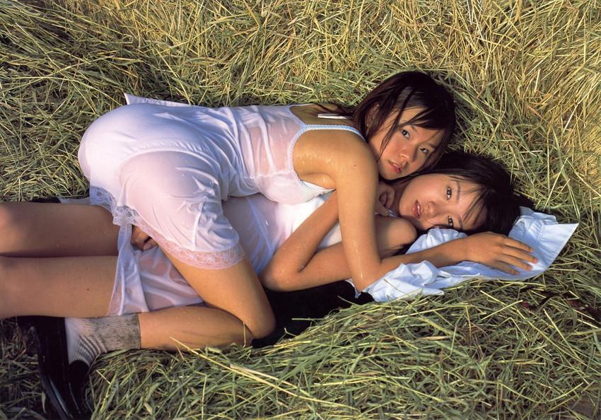 【レズビアンエロ画像】レズビアンたちの大胆な絡みシーンにフル勃起! 26