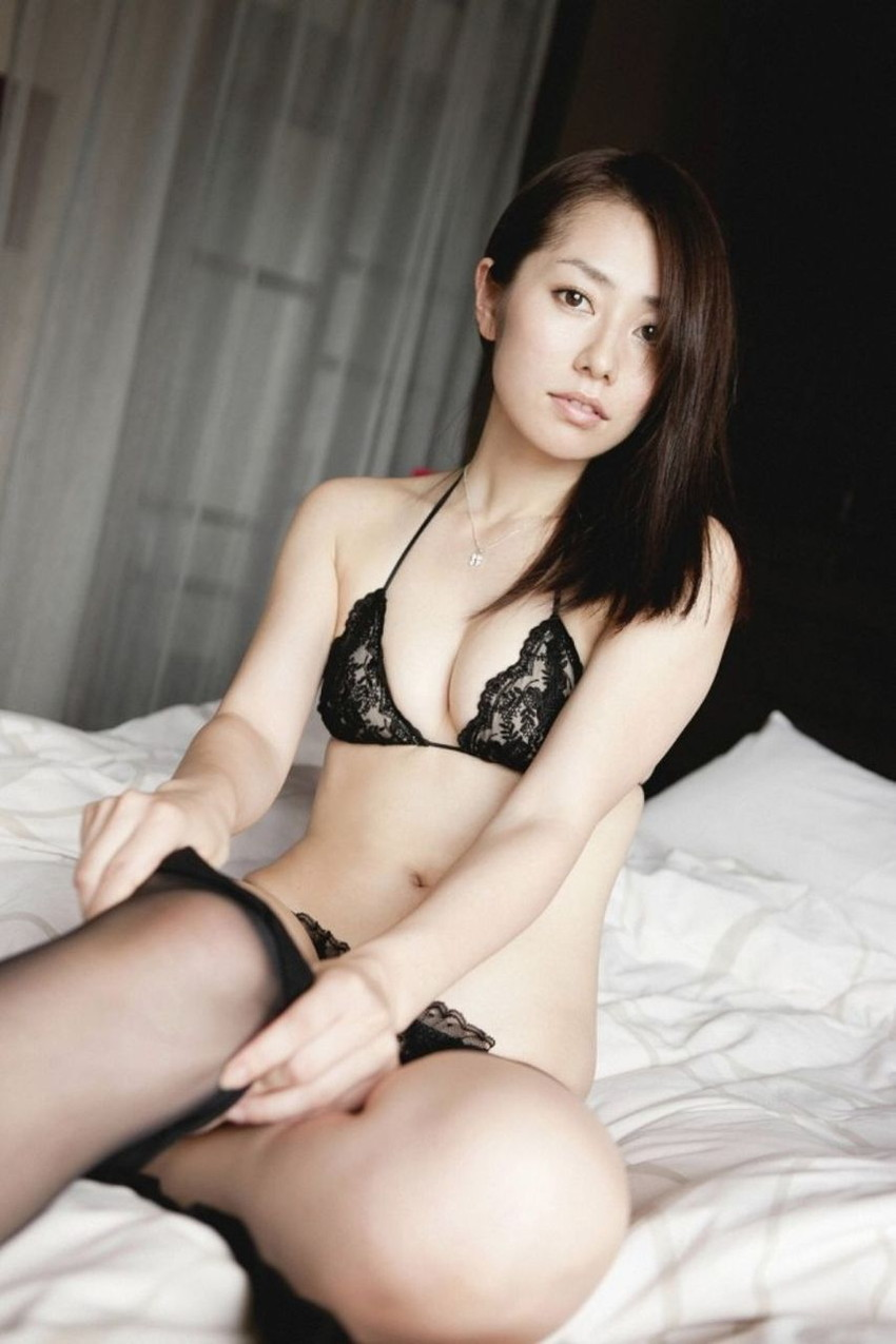 【セクシーランジェリーエロ画像】過激な女性下着!よりセクシーにwww 17