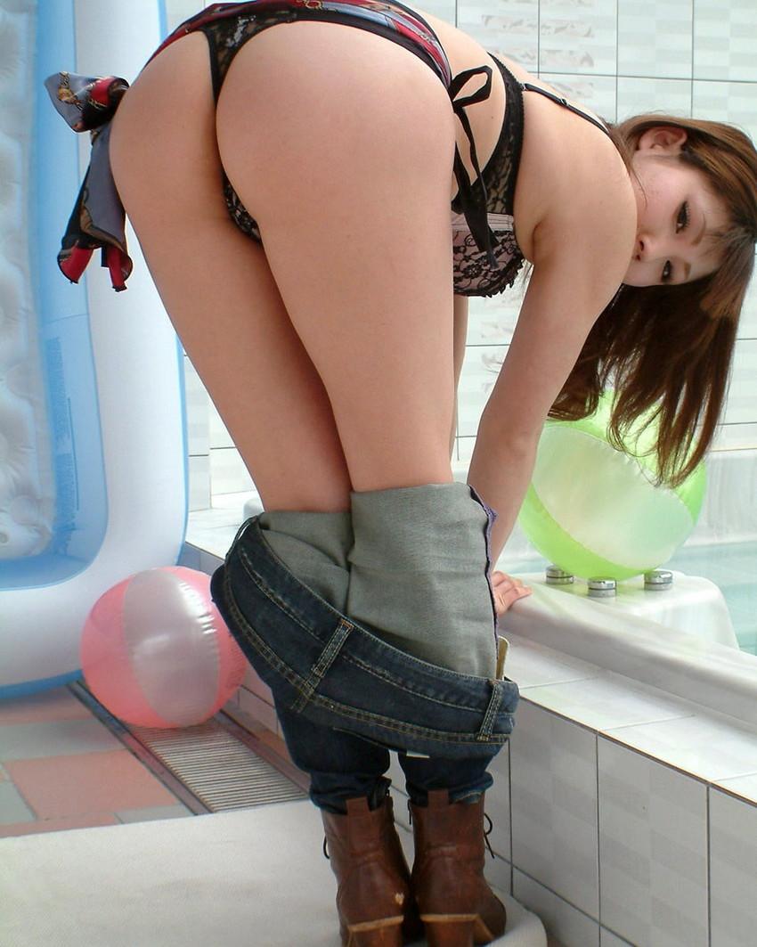 【美尻エロ画像】官能的!?魅力的!?女の子の美尻に拘った美尻特集! 20