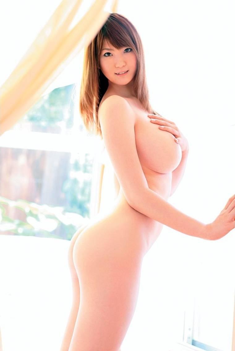 【巨乳エロ画像】大きいのは良い事だ!こんな巨乳の彼女がいるやつ裏山杉だろ!? 27