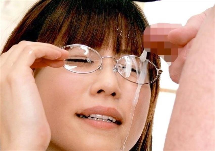 【顔射エロ画像】顔にザーメンぶっかけて優越感に浸るプレイがコチラwww 09