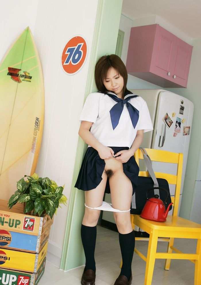 【JKコスプレエロ画像】JKの制服を着たうら若き乙女たちのほんの少しのエロスw 07