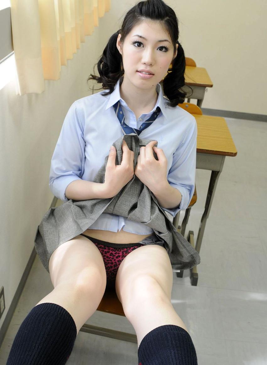 【JKコスプレエロ画像】JKの制服を着たうら若き乙女たちのほんの少しのエロスw 51