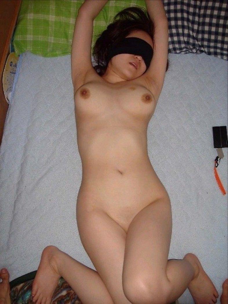 【目隠しプレイエロ画像】視覚を奪われた女の身体はより敏感に…!? 06