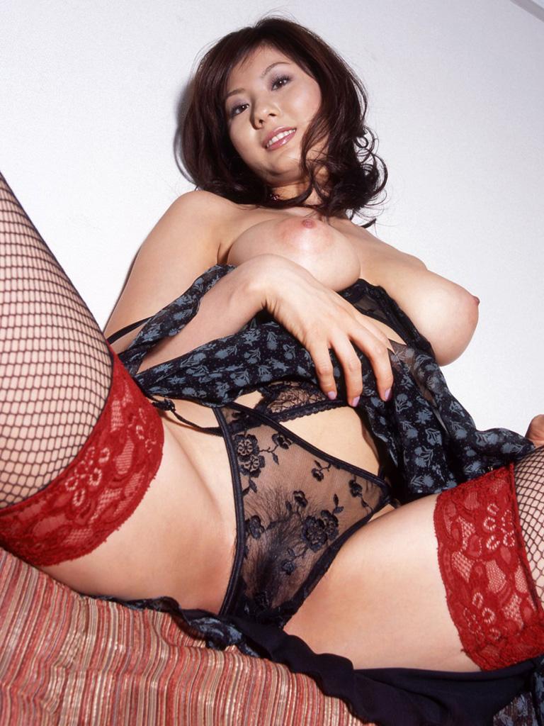 【セクシーランジェリーエロ画像】セクシーさに特化した女性下着ってやっぱエロい! 16