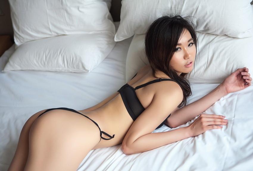 【セクシーランジェリーエロ画像】セクシーさに特化した女性下着ってやっぱエロい! 27