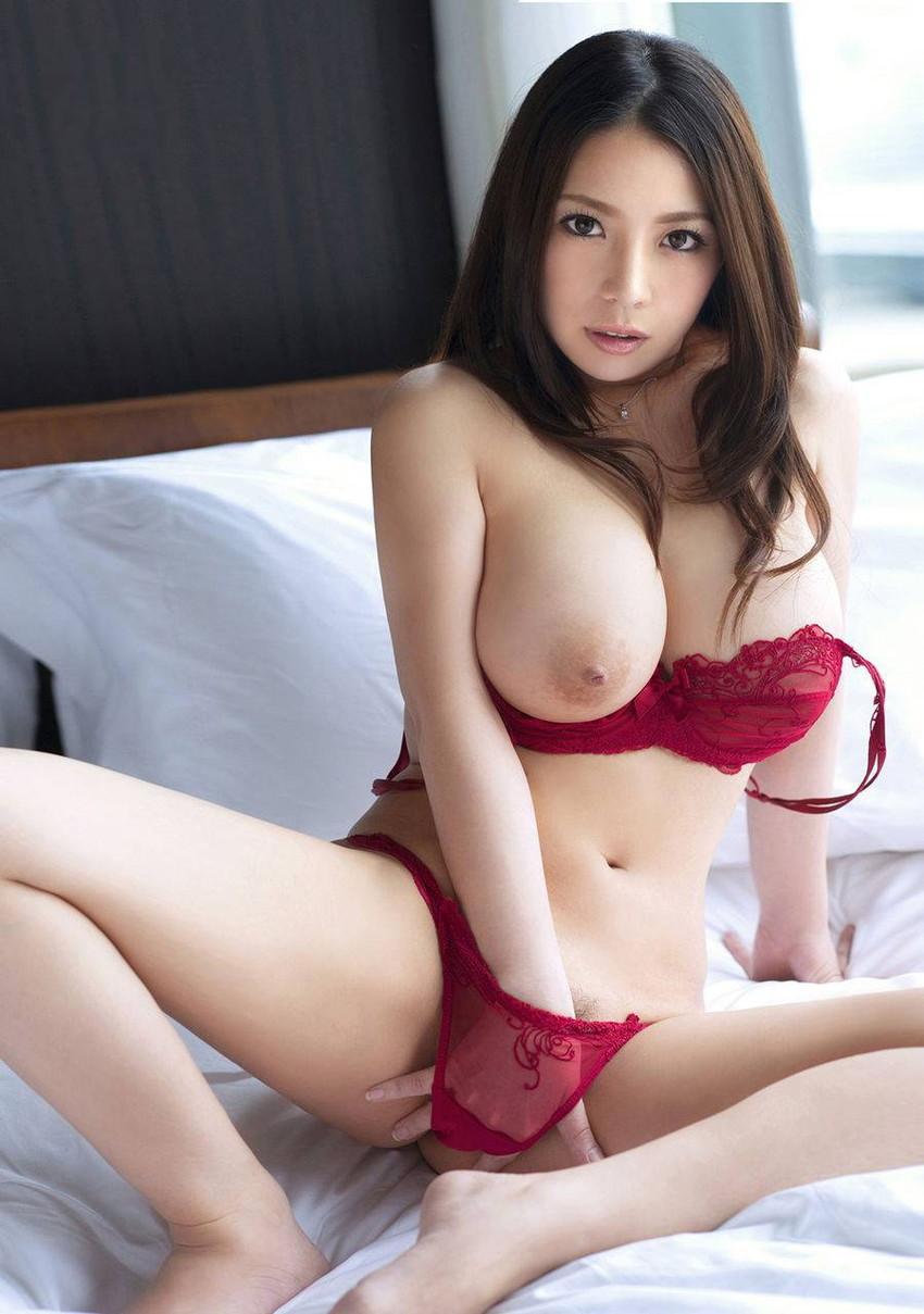 【美乳エロ画像】大きさなんて問題じゃない!美乳に拘った美乳画像! 23