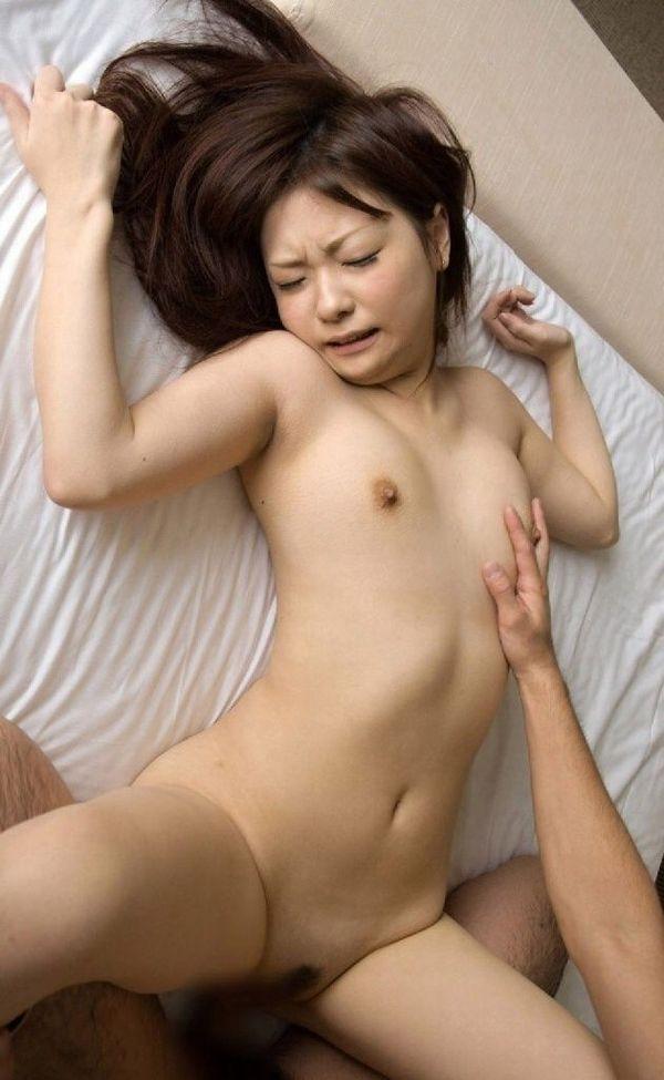 【正常位エロ画像】正常位でガッツリ結合しちゃっている男女のセックス!www 04