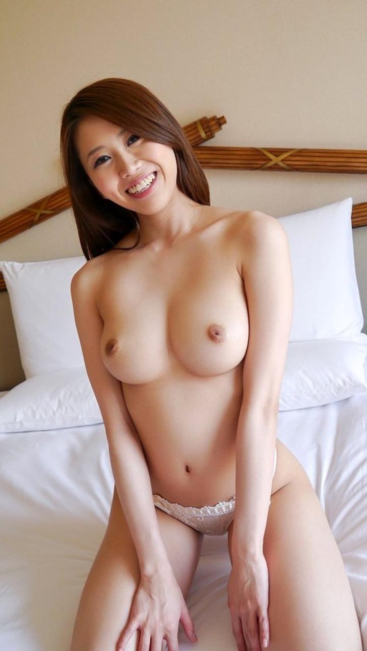 【巨乳エロ画像】美しすぎる美巨乳たち!こんなおっぱい見せられたら堪らんだろ!? 28