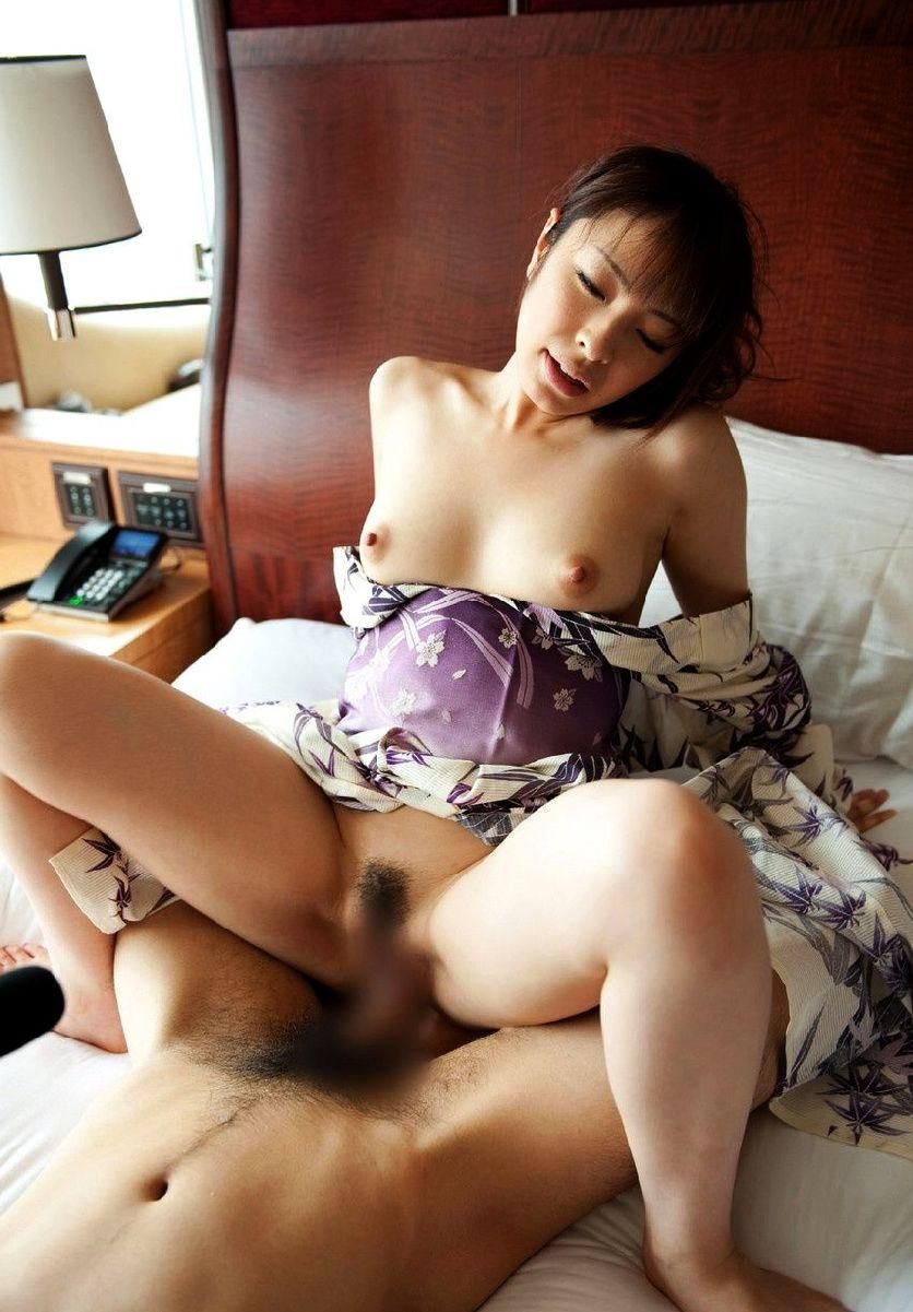 【和服エロ画像】日本古来の着衣!和服姿でハメまくりの女の子たち! 47