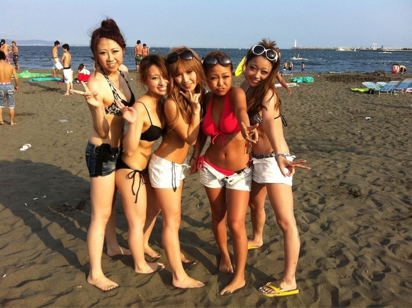 【素人水着エロ画像】素人娘たちの水着姿が生々しくて勃起不可避な件! 14