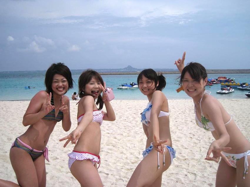 【素人水着エロ画像】素人娘たちの水着姿が生々しくて勃起不可避な件! 18
