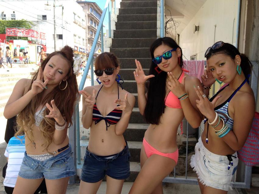 【素人水着エロ画像】素人娘たちの水着姿が生々しくて勃起不可避な件! 29