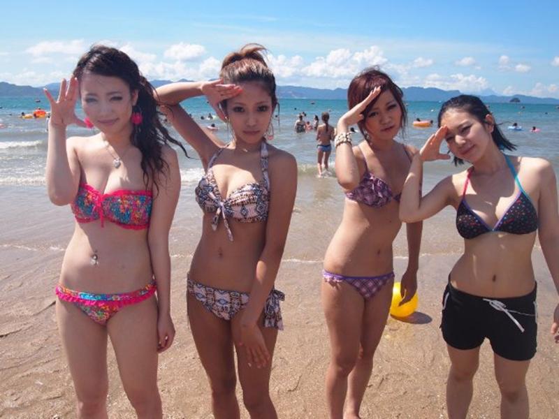 【素人水着エロ画像】素人娘たちの水着姿が生々しくて勃起不可避な件! 53