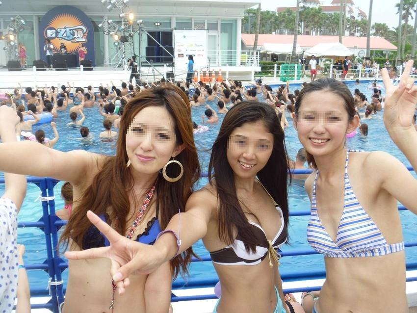 【素人水着エロ画像】素人娘たちの水着姿が生々しくて勃起不可避な件! 54