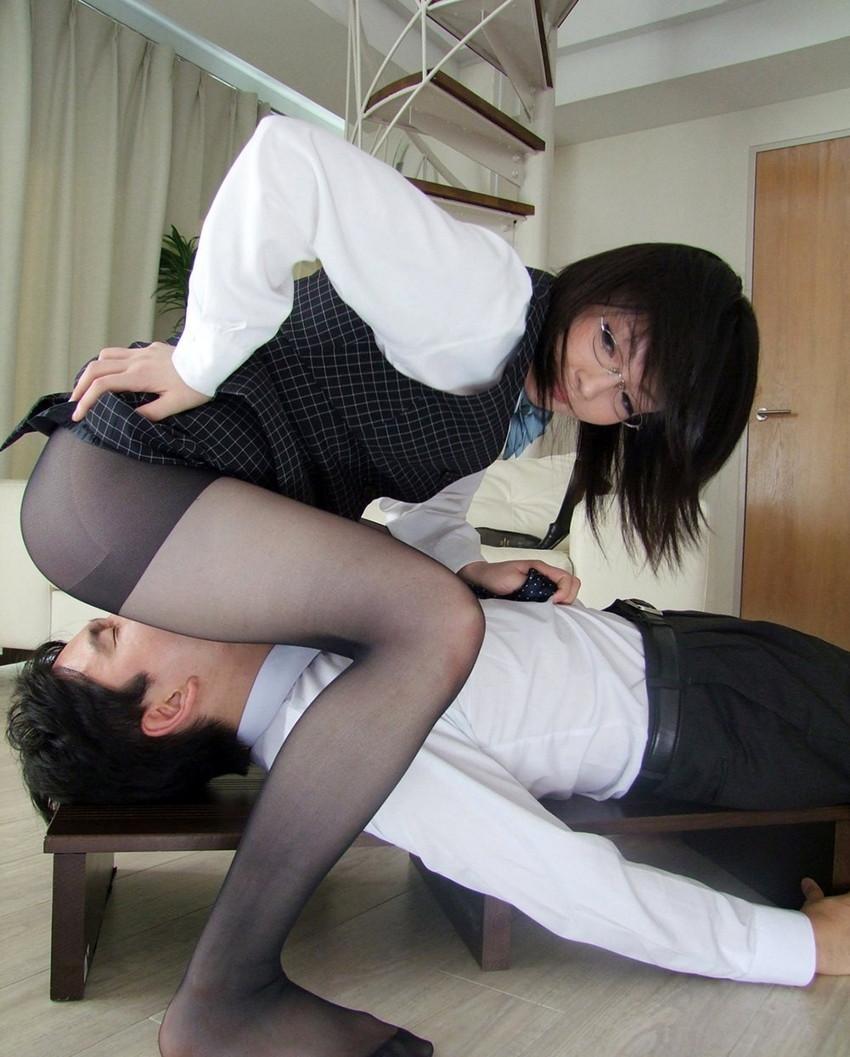【顔面騎乗エロ画像】女の子自ら男の顔面にオマンコを押し付ける顔面騎乗! 26