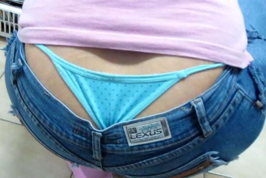 【ローライズエロ画像】見られること前提!?ローライズの女の子のパンツがハデすぎるw 35