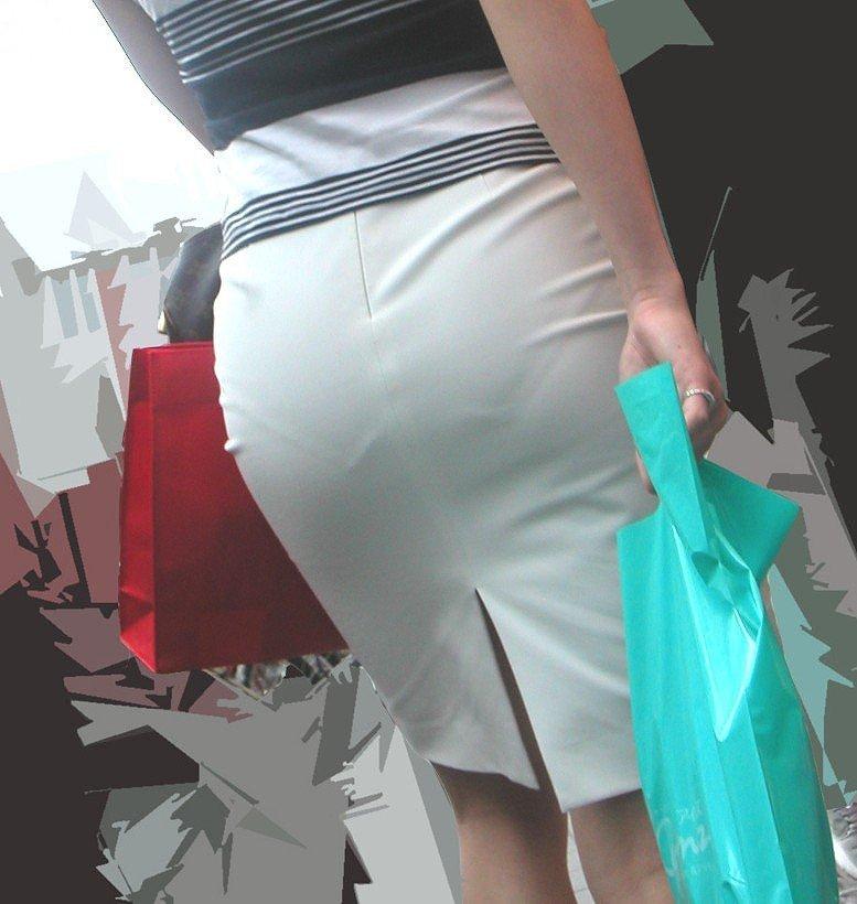 【透けパンエロ画像】街中で美女達が私キレイでしょ?って感じで歩いてるのに透けパンティー盗撮されてるとか最高すぎww 27