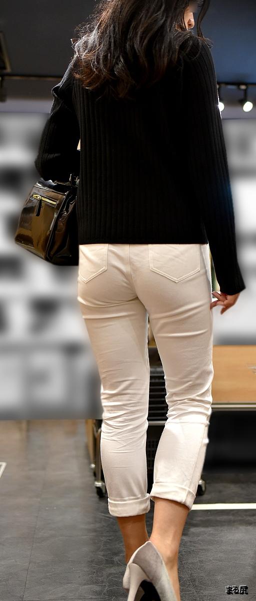 【透けパンエロ画像】街中で美女達が私キレイでしょ?って感じで歩いてるのに透けパンティー盗撮されてるとか最高すぎww 29