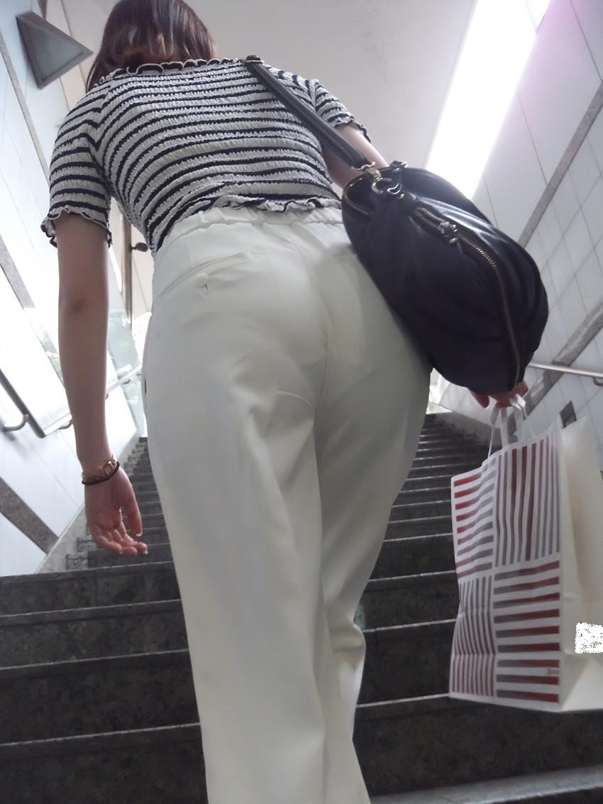 【透けパンエロ画像】街中で美女達が私キレイでしょ?って感じで歩いてるのに透けパンティー盗撮されてるとか最高すぎww 51