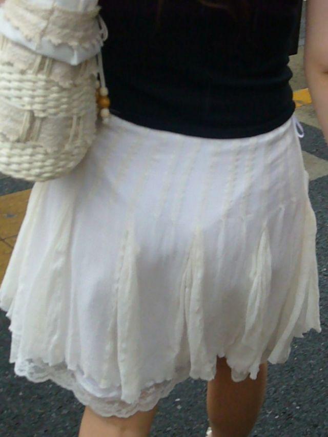 【透けパンエロ画像】街中で美女達が私キレイでしょ?って感じで歩いてるのに透けパンティー盗撮されてるとか最高すぎww 55