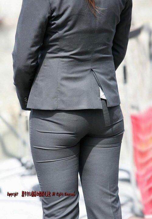 【透けパンエロ画像】街中で美女達が私キレイでしょ?って感じで歩いてるのに透けパンティー盗撮されてるとか最高すぎww 63