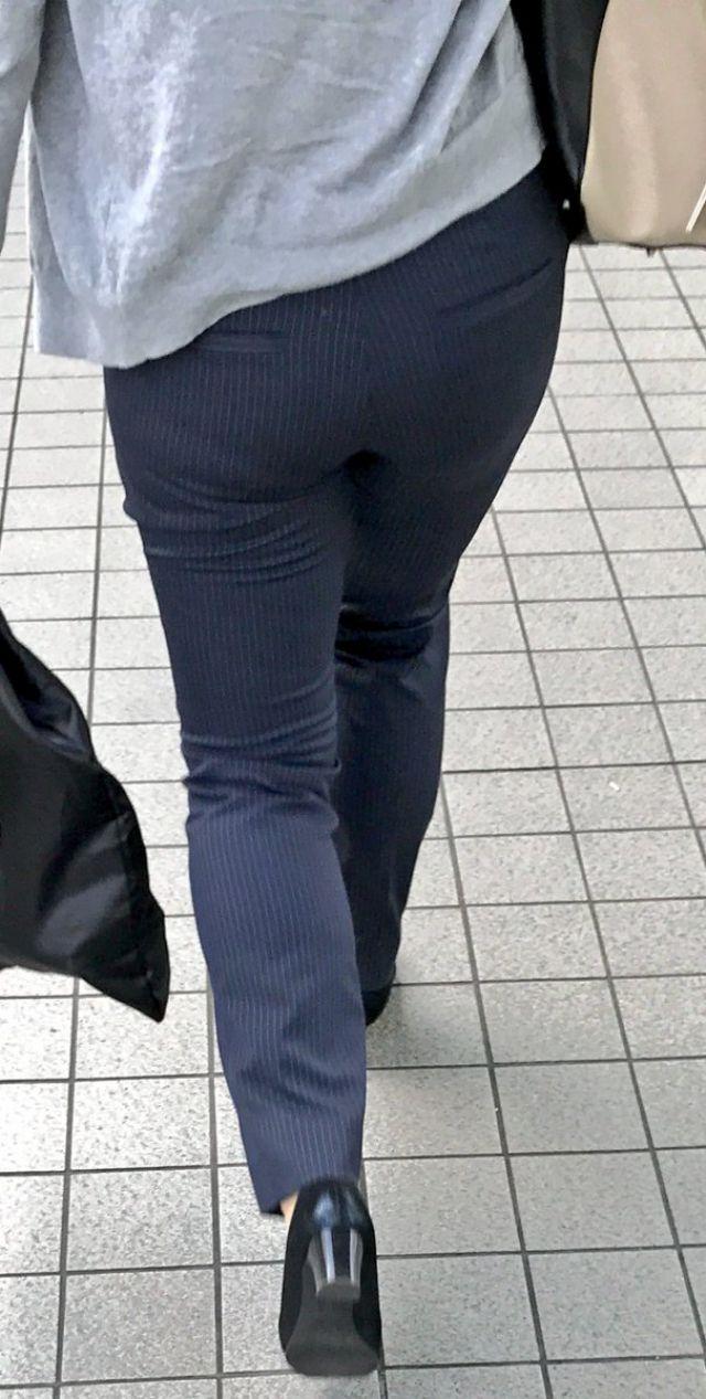 【透けパンエロ画像】街中で美女達が私キレイでしょ?って感じで歩いてるのに透けパンティー盗撮されてるとか最高すぎww 65
