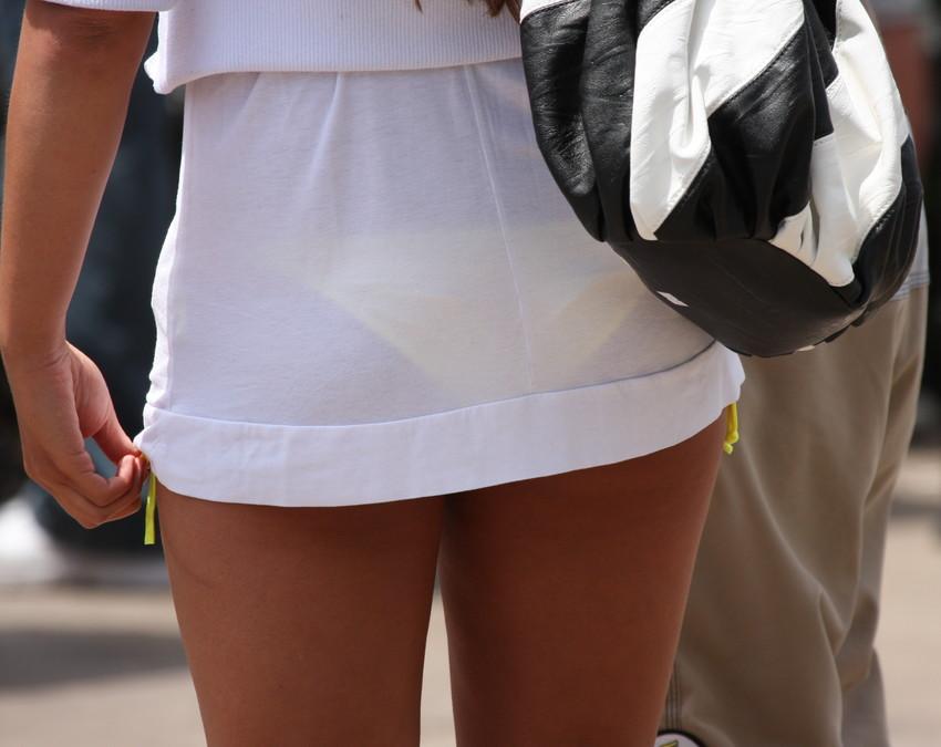 【透けパンエロ画像】街中で美女達が私キレイでしょ?って感じで歩いてるのに透けパンティー盗撮されてるとか最高すぎww 79