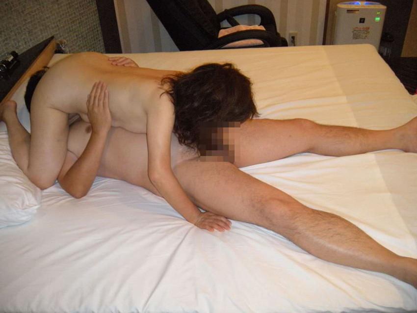 【シックスナインエロ画像】美マンが視界に広がりクンニし放題なのにちんこの裏筋舐めるフェラで気持ち良すぎる69画像集ww 20