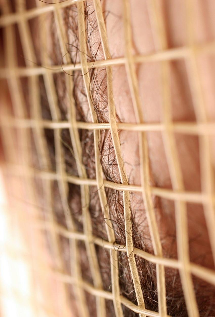 【テニスウェアエロ画像】テニスウェア着たお嬢様系美少女が汗ばんだエッロいおっぱい露出してラケットでオナニーww 57