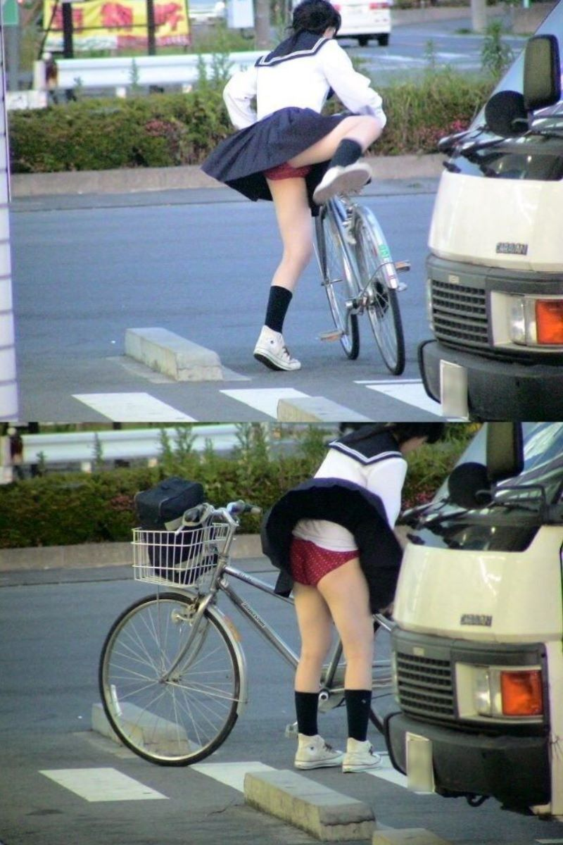 【自転車パンチラエロ画像】街中を颯爽とパンチラしながら走る素人JKやミニスカギャルやリクルートスーツJDの自転車パンチラ画像集w 44