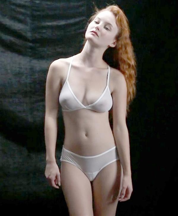【下着モデルエロ画像】下着モデルが時にまんすじ喰い込ませたり透け乳首してカタログがエロ本化してる下着モデルのエロ画像集w
