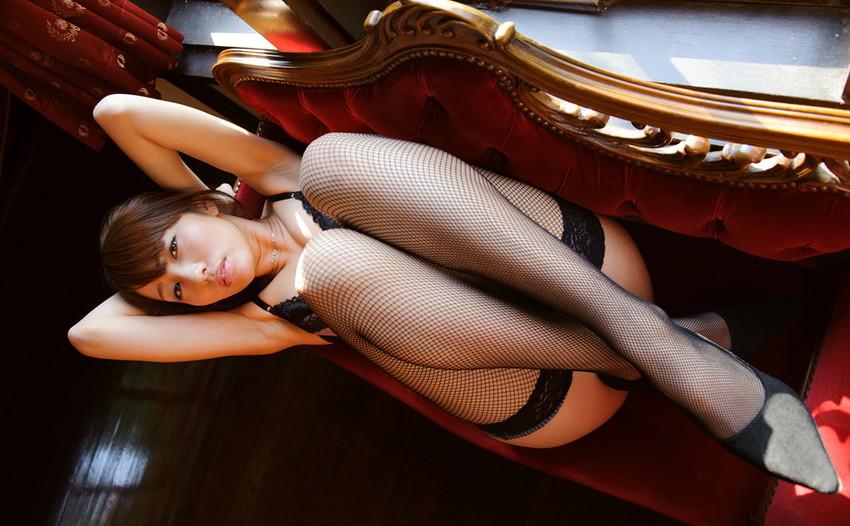 【網タイツエロ画像】女体の肉がムッチムチに喰い込んでる網タイツをビッリビリに破りたい網タイツエロ画像集w 15