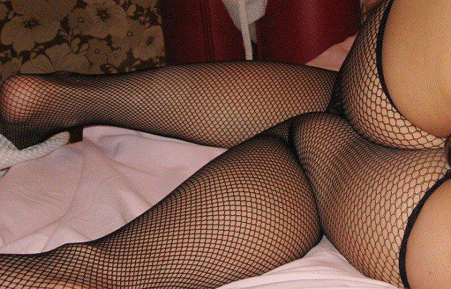 【網タイツエロ画像】女体の肉がムッチムチに喰い込んでる網タイツをビッリビリに破りたい網タイツエロ画像集w 46