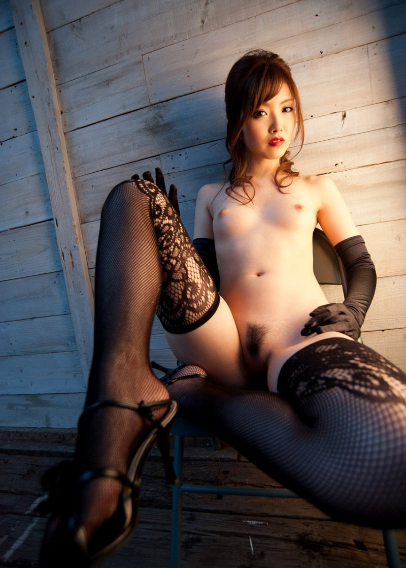 【網タイツエロ画像】女体の肉がムッチムチに喰い込んでる網タイツをビッリビリに破りたい網タイツエロ画像集w 52