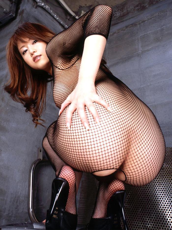 【網タイツエロ画像】女体の肉がムッチムチに喰い込んでる網タイツをビッリビリに破りたい網タイツエロ画像集w 60