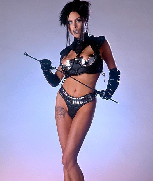 【ボンテージエロ画像】最近のボンテージコスはエナメルやレザーで巨乳や美尻を強調しててバラエティに富んでエロくなってきた件w 34