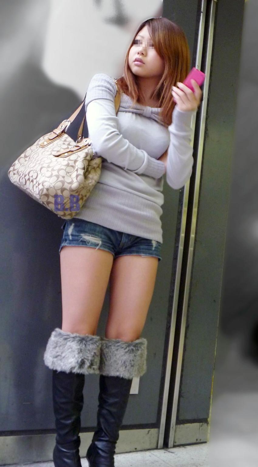 【デニムショーパンエロ画像】ハミマン・ハミパン必至!!むっちりデカ尻ギャル達のデニムショーパンエロ画像 36