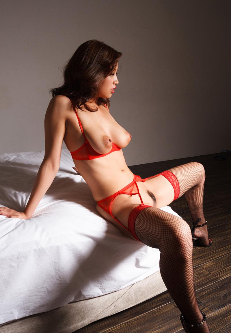 【ガーターベルトエロ画像】エロボディなギャルが全裸ガーターベルトでご奉仕セックスしてくれるエロさは異常ww 41