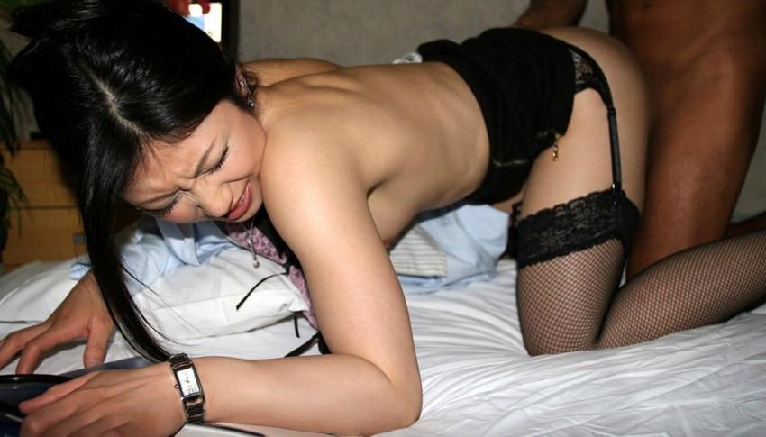 【ガーターベルトエロ画像】エロボディなギャルが全裸ガーターベルトでご奉仕セックスしてくれるエロさは異常ww 66