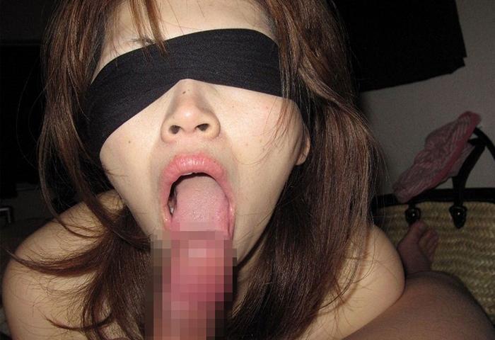 【目隠しエロ画像】目隠しプレイで暗闇の中乳首弄られたりローター調教やクンニされてアヘ顔晒してる目隠しエロ画像集ww 32