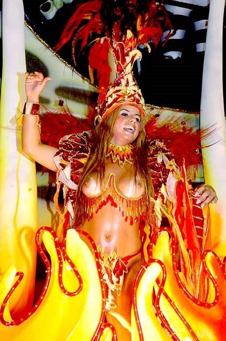 【ブラジル人エロ画像】地球の裏側ですげぇデカ尻爆乳のエロボディブラジル人がいるの知ってた?ww 09