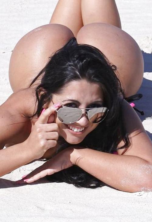 【ブラジル人エロ画像】地球の裏側ですげぇデカ尻爆乳のエロボディブラジル人がいるの知ってた?ww 18