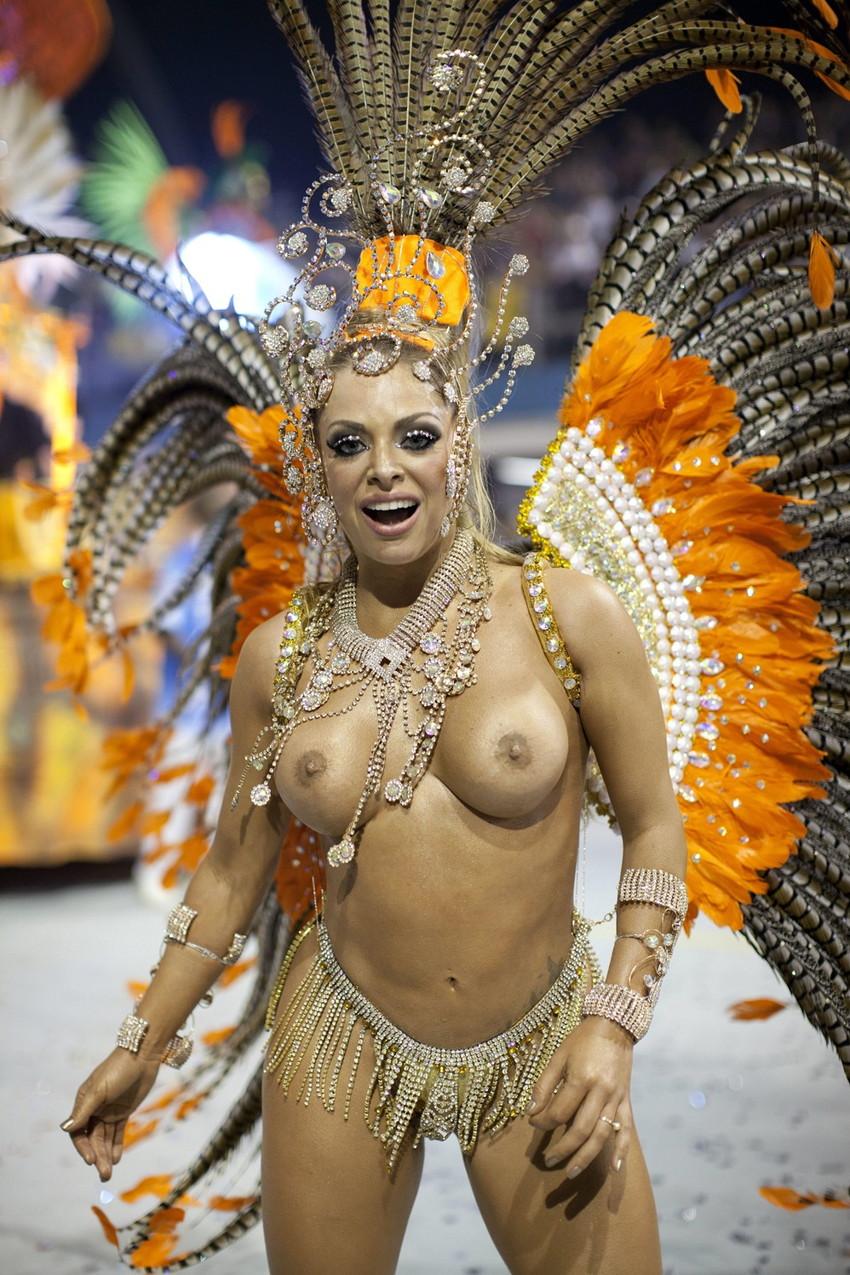 【ブラジル人エロ画像】地球の裏側ですげぇデカ尻爆乳のエロボディブラジル人がいるの知ってた?ww 32