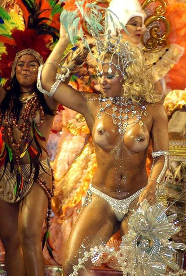 【ブラジル人エロ画像】地球の裏側ですげぇデカ尻爆乳のエロボディブラジル人がいるの知ってた?ww 42