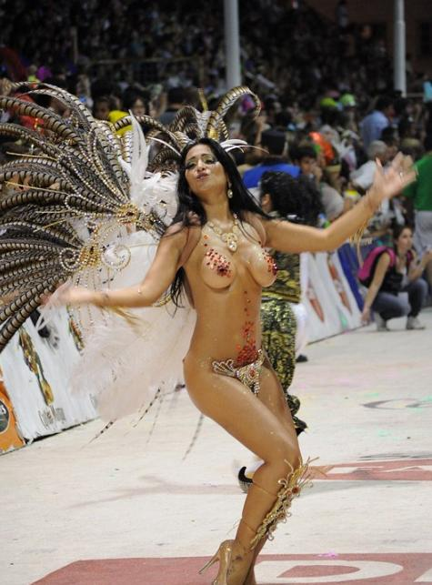【ブラジル人エロ画像】地球の裏側ですげぇデカ尻爆乳のエロボディブラジル人がいるの知ってた?ww 65