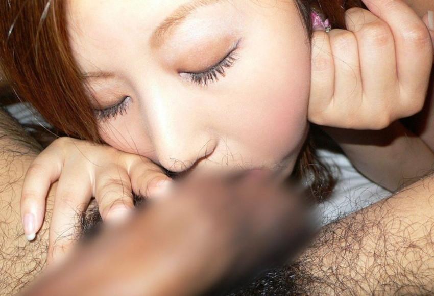 【玉舐めフェラエロ画像】ビッチなギャルや痴女お姉様がエロいベロテクやバキュームで玉舐めフェラしてくれちゃうww 12
