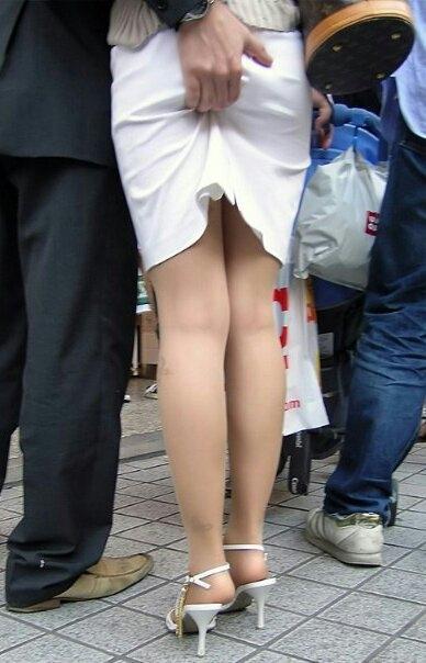 【尻揉みエロ画像】美女の美尻や人妻のデカ尻揉みまくってアナルがくぱぁ状態になっちゃってる尻揉みエロ画像集! 12