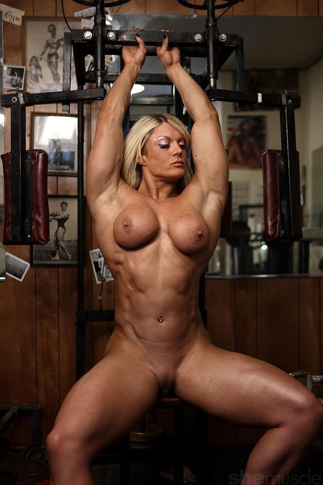 【筋肉女子エロ画像】性欲の塊のような逆レイプ回避不可能そうな筋肉女子のエロ画像集!ww 15